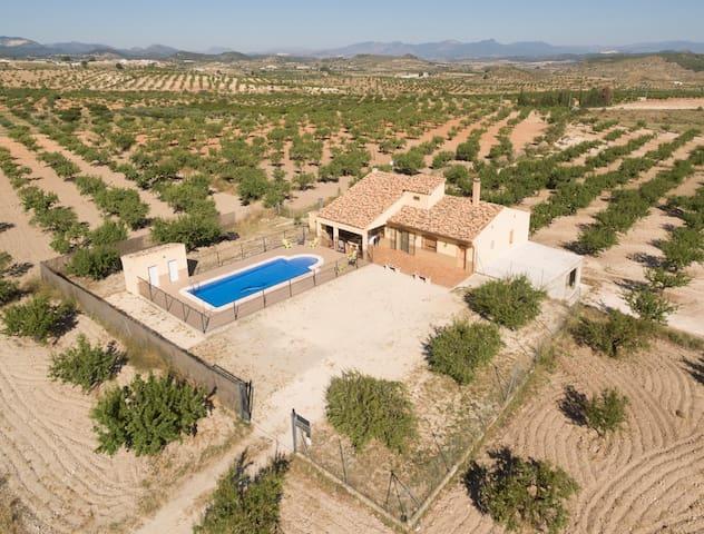 Casa rural rodeada de naturaleza en Bullas