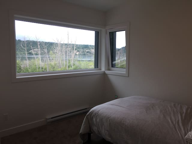 Enjoy the views of the lake  and sunset - bedroom #3 with double bed
