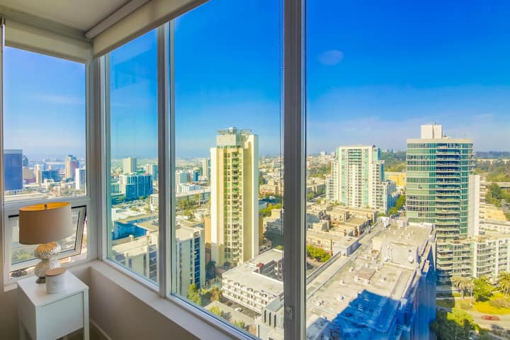 Cozy 2 Bed 2 Bath Apartment in Downtown San Diego