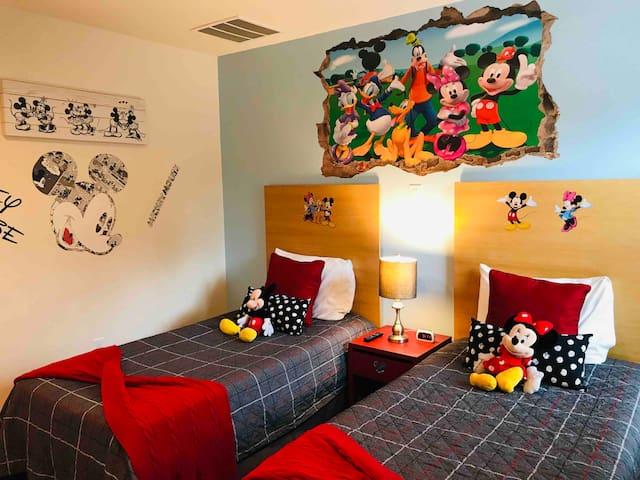 A Beautiful, 2 Bedroom Villa, close to Disney