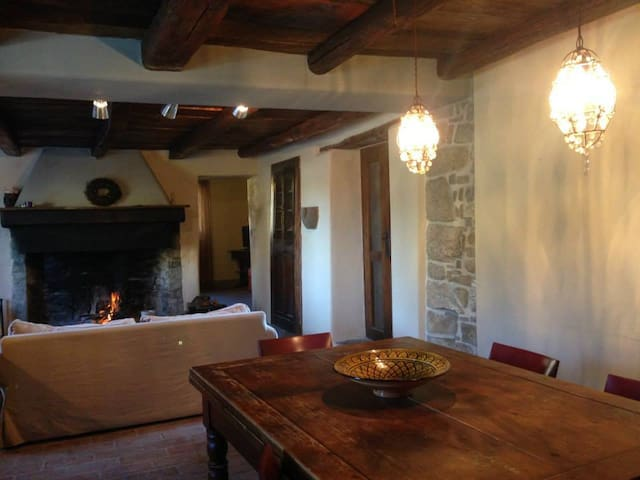 CHARMING VILLA  ON TUSCANY BORDER - Lizzano In Belvedere - Haus