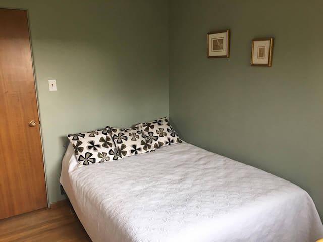 Comfy room in Kingsland