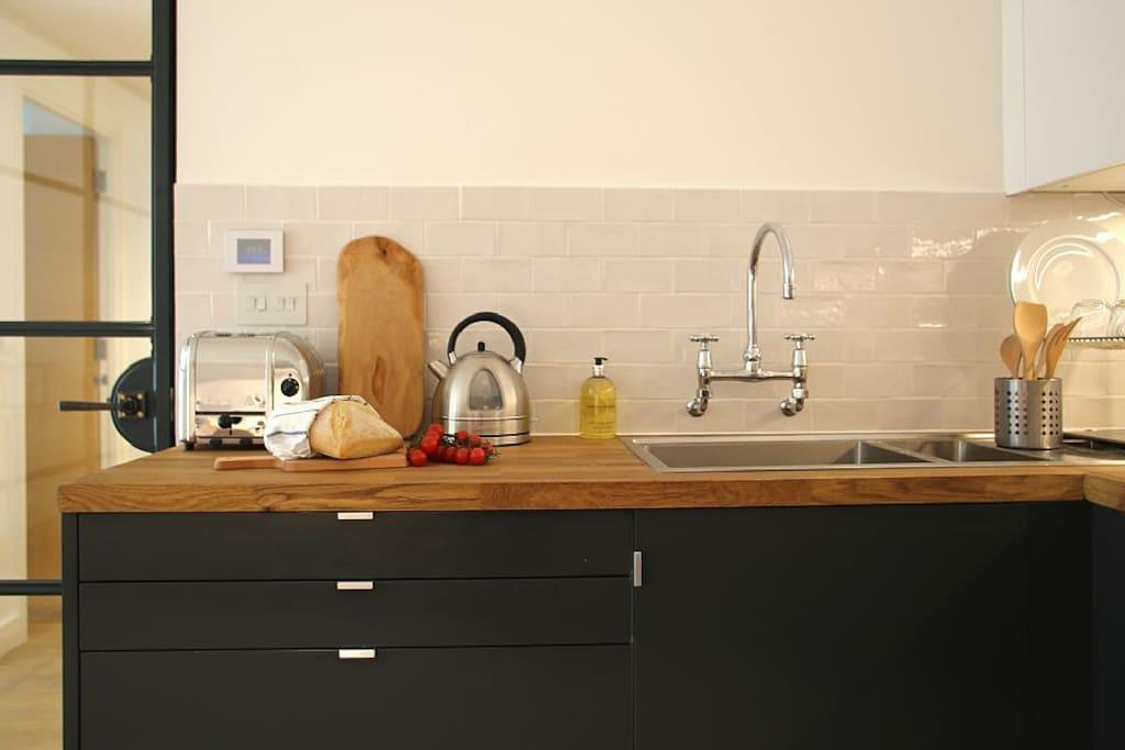 Double sink, Kettle, Dualit Toaster, Crittall door/screen, Light & Spcaious
