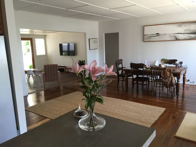 Woolgoolga beach house - Woolgoolga - Casa