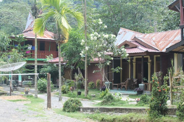 Beautiful Guesthouse On The River