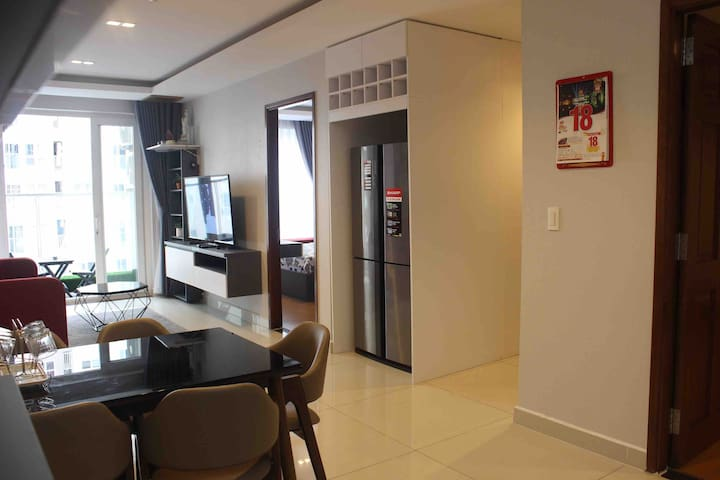 Sky Home 2BR- 1km to the AIRPORT-GYM-POOL