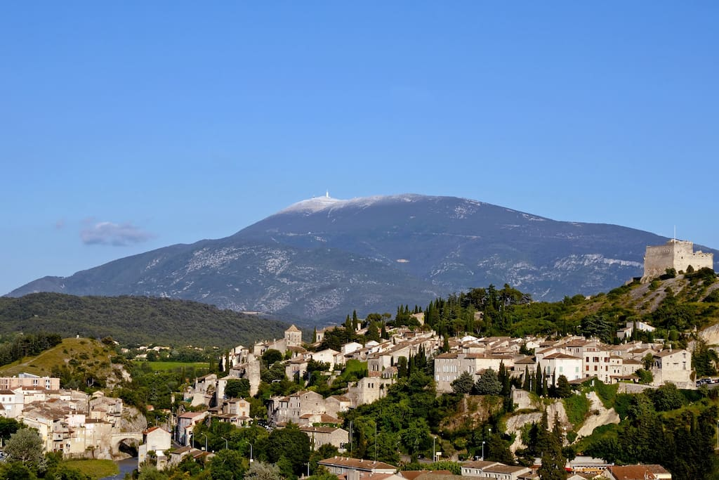 Mt Ventoux in the background the medieval town in the foreground.
