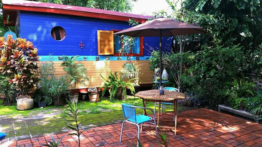 GYPSY CARAVAN IN PARADISE! ALL WOOD - Ajijic - Zomerhuis/Cottage