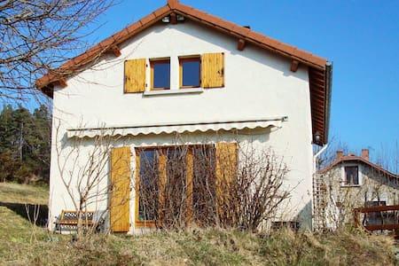 Maison au milieu des bois - Hus