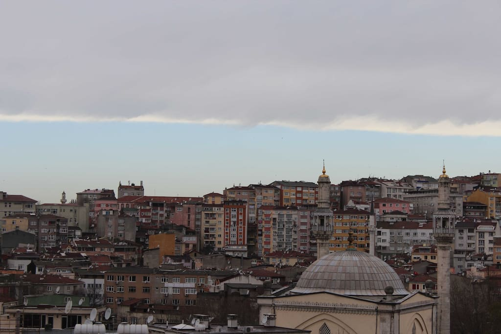 City skyline View from both rooms: Guzelce Kasim Pasa Mosque with hamam (architect: Mimar Sinan)