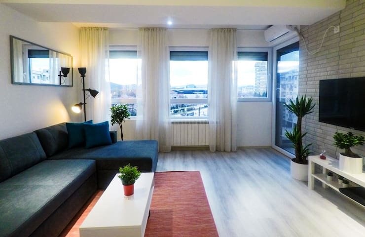 Long stay discounts✰Balcony✰Full Kitchen✰Smart TV✰
