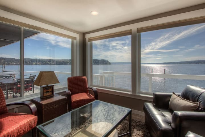 Captain's Quarters- Waterfront Luxury- New - Gig Harbor - Cabaña