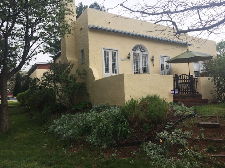 Charming bungalow, centrally located
