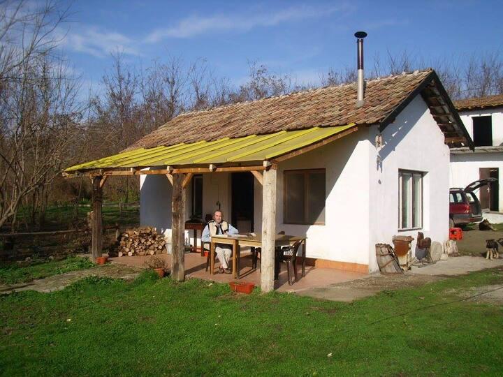 Peaceful Riverside Cottage