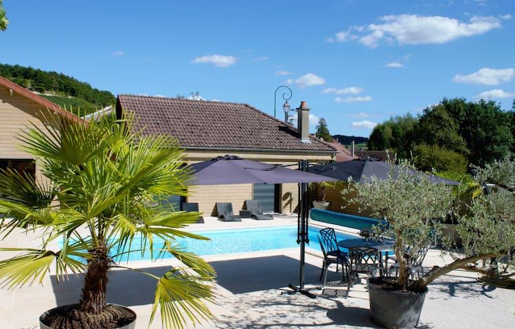 Vakantiehuis in Champagnestreek met privé zwembad - Couvignon - Hus