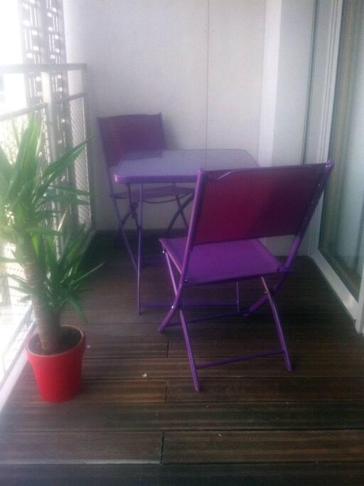 Loggia, 5° étage, très ensoleillée !