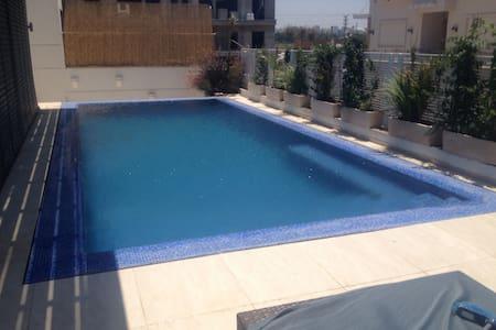 New Villa  near the sea in Herzliya  Pituach !!!! - ヘルツリーヤ
