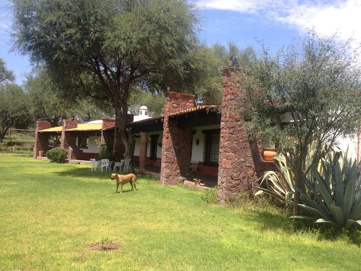 Casa Rancho Tranquila Y Segura,  Descando y Paseo