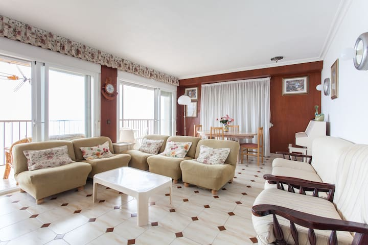 First line sea view apartment. - Arenales del Sol - Daire