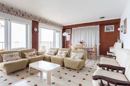 First line sea view apartment. - Arenales del Sol - Wohnung