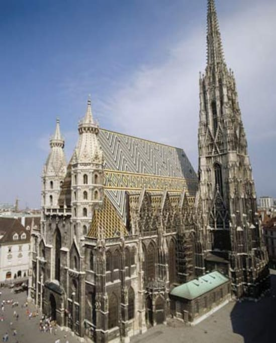 7 minutes to Stephansdom, old Vienna city center