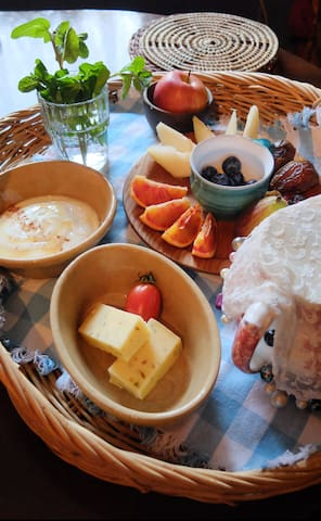 Breakfast Basket - courses of cereals, organic milk and yoghurt, fruit platter, fresh juice. Fresh bread/croissants from the bakery and perhaps a taste of local specialities such as award-winning Mossfield Cheeses.