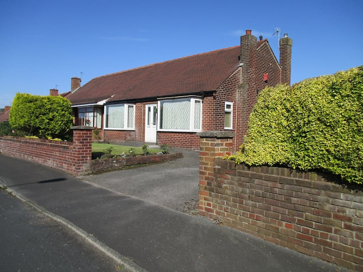 Impeccable 2-Bed House in Rochdale