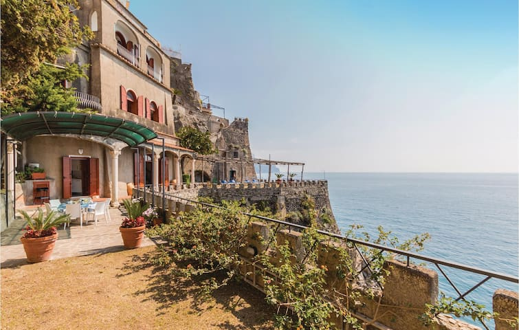 Semi-Detached with 2 bedrooms on 110 m² in Ravello SA