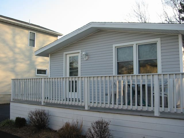Pet Friendly Cottage walk to beach! - Rehoboth Beach - Casa