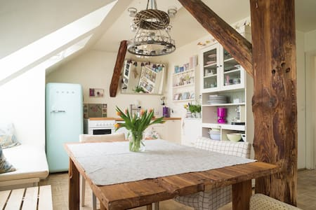 Country-style loft in the centre