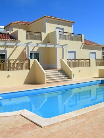 Villa Cerro Azul B&B - Algarve