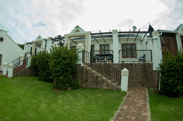 Jeffreys Bay accomodation - Jeffreys Bay - House