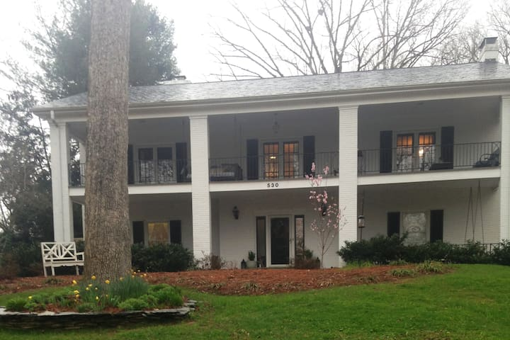 Hudson House Inn