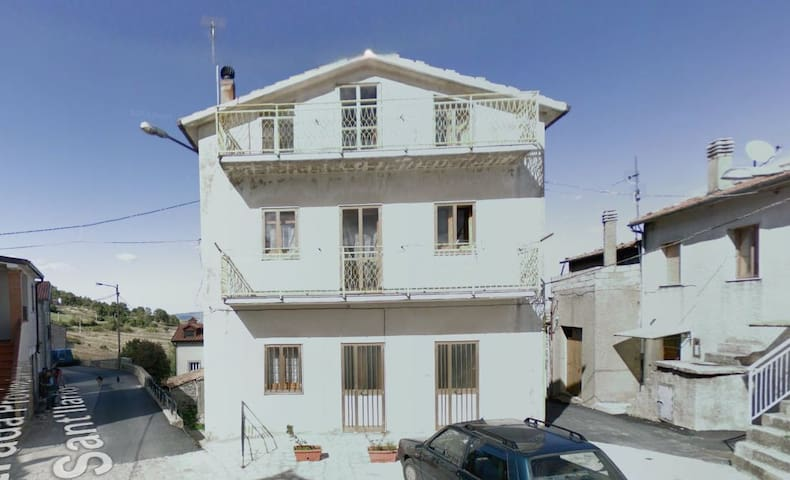 3 Bed Room apartment - Sant'Ilario - House