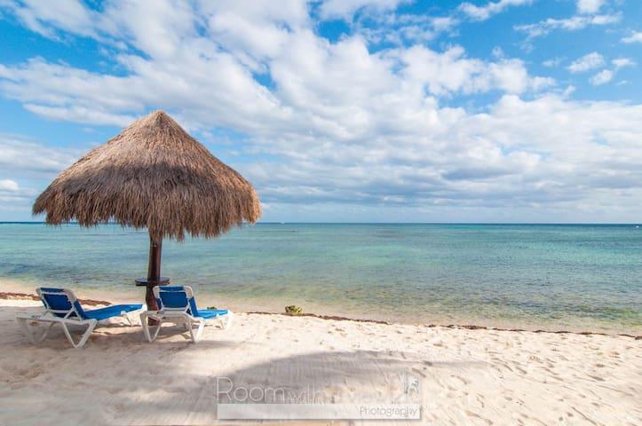 Beachfront, Sea Views, sleeps 1 - 4, Akumal Mexico
