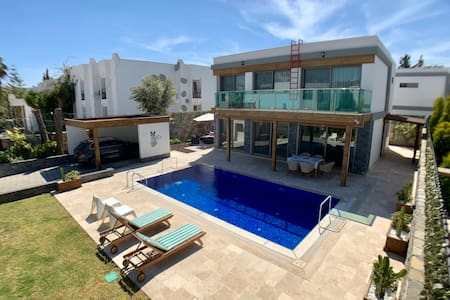 Ultra Luxury Private Villa with Swimming Pool