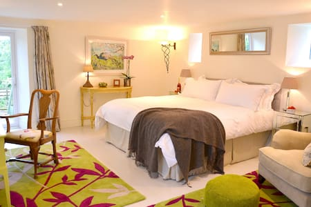 Stylish B&B in The Old Stables - Cornwall - Bed & Breakfast