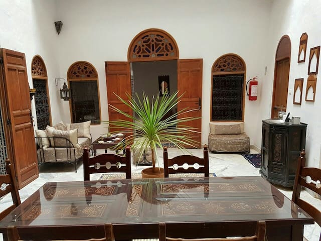 Lovely house in a quiet cul de sac. Suite Mansour. - Meknes - Bed & Breakfast