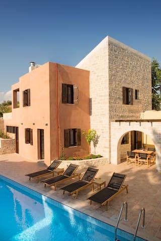 Phaistos Villas - Villa Dafne - Sivas