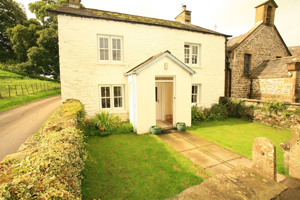 Detached cottage just over one mile from Sedbergh.
