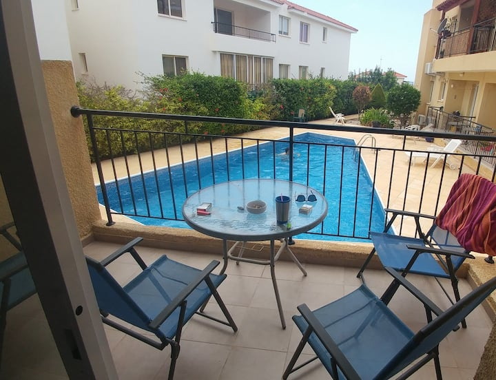 The Holiday Flat, pool views, experiences gateway