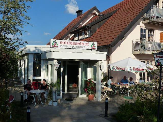 Ferien- & Wellnesshotel Schiesselhof, (Grafenhausen), Wohnappartment Komfort plus, 68qm, max. 4 Personen