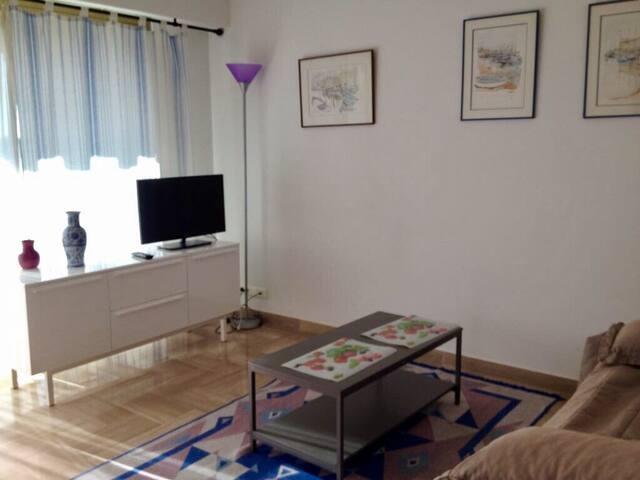 Studio 30 m2, terrasse 10 m2, plein sud.