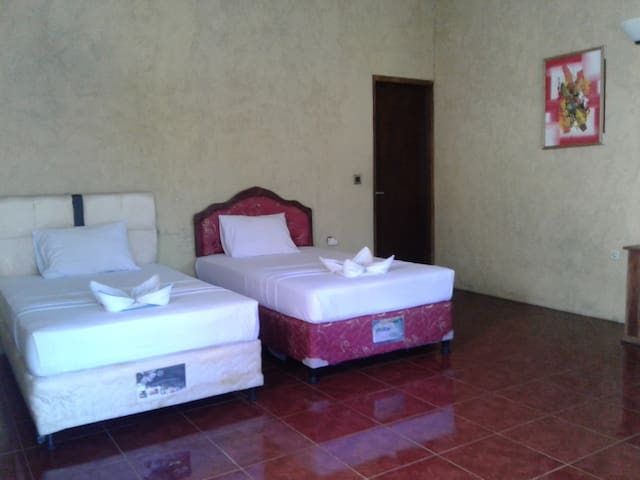 SEGER REEF HOME STAY