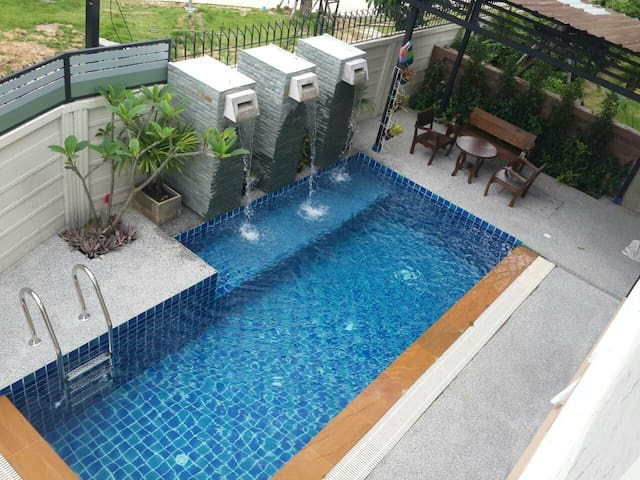PRIVATE POOL 5 ***** Phuket house +gym near Patong