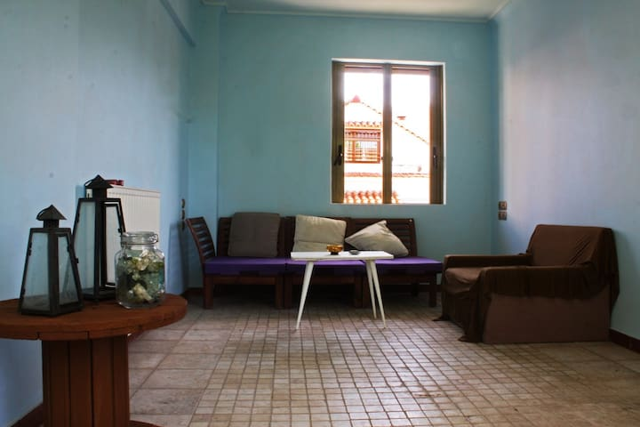 Quiet room at the center of the city - Patras - Haus