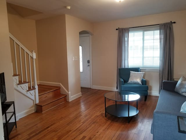 3BR/2BA DelRay Home near DCA & Everything! (316)