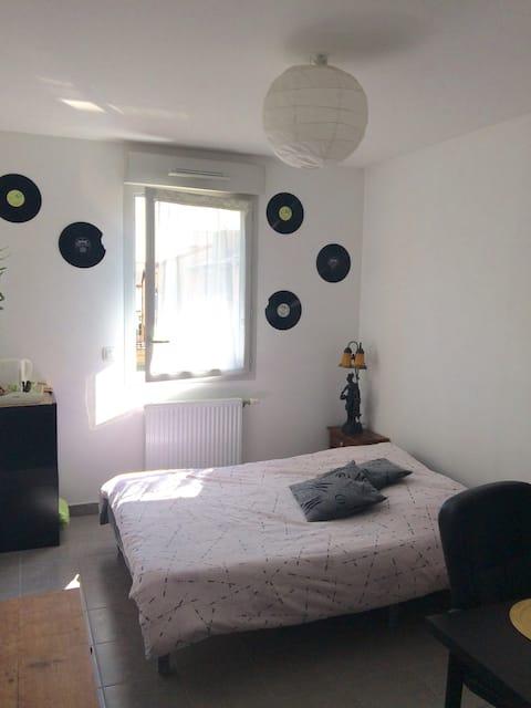 Studio privé à 20min de Lyon (centre Brignais)