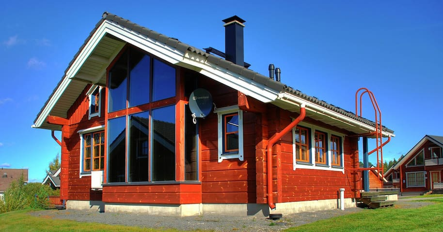 Hirsitalo - Log Cabin,  Syvärinkaari