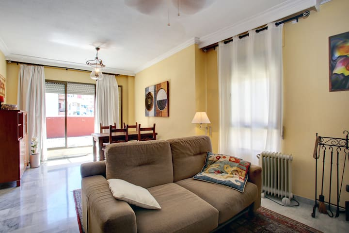 bright lovely room in penthouse - Algeciras - Apartamento